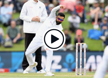 Watch: Virat Kohli bowls hooping inswinger in intra-squad warm-up to nearly catch out KL Rahul