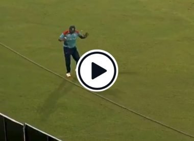 Watch: Tamim Iqbal forgets where boundary rope is while fielding in Dhaka T20