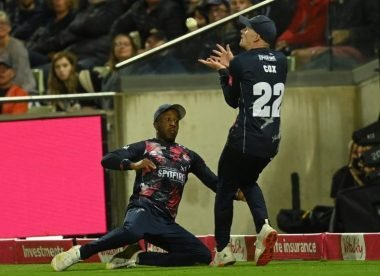 Did the umpires get the bizarre non-catch in T20 Blast final wrong?