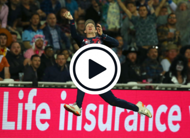 Watch: Jordan Cox effects one of the all-time great boundary relay catches in T20 Blast final