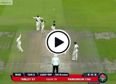 Watch: Parkinson rips one around the legs of Dom Sibley to add to his collection