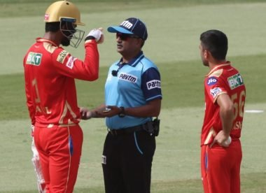 KL Rahul protests 'not out' DRS decision with on-field umpire after visible UltraEdge 'squiggle'