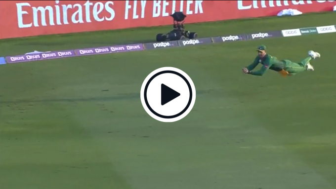 Watch: 'Moving like Usain Bolt, diving like Superman' - Aiden Markram takes screamer to turn SA-Aus clash on its head